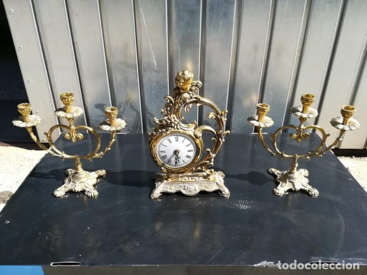 LOTE SET RELOJ DE MESA CANDELABROS EN BRONCE ANGELOTE (Relojes - Sobremesa Carga Manual)