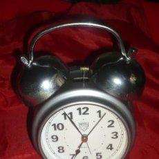 Relojes de carga manual: RELOJ-DESPERTADOR MARY DE SOBREMESA; FUNCIONA CON PILA MEDIANA PERFECTAMENTE. Lote 165877110