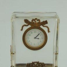 Relojes de carga manual: IMPRESIONANTE ANTIGUO RELOJ A CUERDA ESTILO IMPERIO BRONCE DORADO EXCELENTE PIEZA DE COLECCIÓN . Lote 166452090