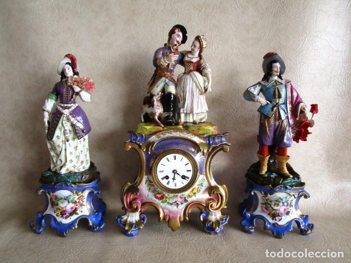 ANTIGUO RELOJ SOBREMESA PARIS PORCELANA LE GRAND AINE PENDULO HILO SIGLO XIX (Relojes - Sobremesa Carga Manual)