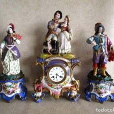 Relojes de carga manual: ANTIGUO RELOJ SOBREMESA PARIS PORCELANA LE GRAND AINE PENDULO HILO SIGLO XIX. Lote 168112872