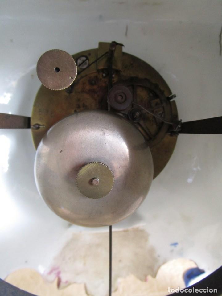 Relojes de carga manual: Antiguo reloj sobremesa Paris porcelana Le Grand Aine pendulo hilo siglo XIX - Foto 8 - 168112872