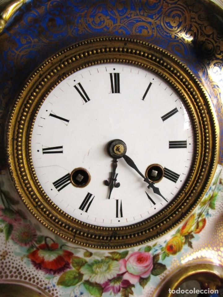 Relojes de carga manual: Antiguo reloj sobremesa Paris porcelana Le Grand Aine pendulo hilo siglo XIX - Foto 15 - 168112872