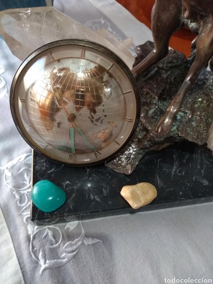 Relojes de carga manual: RELOJ ( ANTIGUO )Y TERMÓMETRO FORMA DE MAPA MUNDII. MÁS EN MÍ PERFIL. - Foto 3 - 168635525