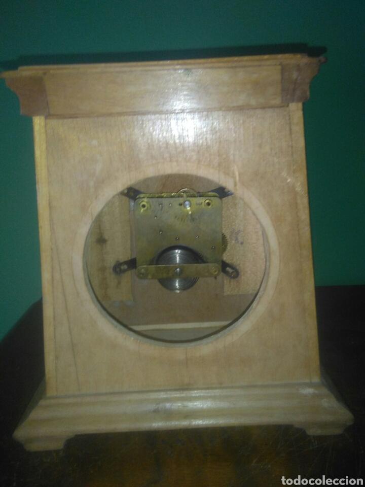 Relojes de carga manual: ANTIGUO RELOJ DE SOBREMESA AÑOS CINCUENTA - Foto 5 - 168904376