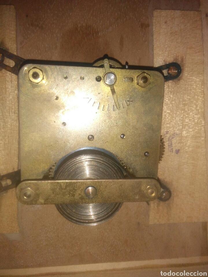 Relojes de carga manual: ANTIGUO RELOJ DE SOBREMESA AÑOS CINCUENTA - Foto 6 - 168904376