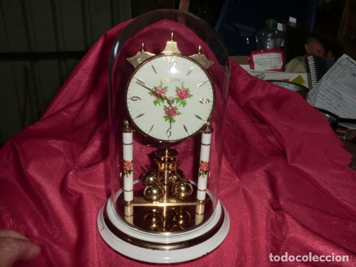 Relojes de carga manual: PRECIOSO RELOJ DE SOBREMESA CUBIERTO DE CAPSULA VINTAGE - Foto 3 - 169179112