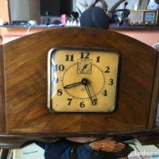 Relojes de carga manual: RELOJ RARO DE MESA DESPERTADOR CE MADE IN USA EN BUEN. Lote 169980674