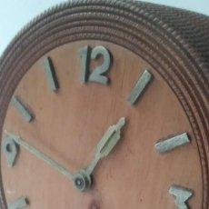 Relojes de carga manual: RELOJ MADERA SOBREMESA . Lote 170491972