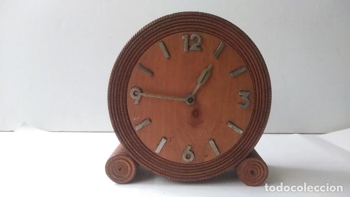Relojes de carga manual: reloj madera sobremesa - Foto 2 - 170491972