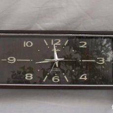 Relojes de carga manual: RELOJ DESPERTADOR DE LOS AÑOS 60-70 CON MÚSICA. Lote 171488002