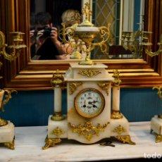 Relojes de carga manual: RELOJ DE SOBREMESA Y CANDELABROS, FRANCESES, SIGLO XIX. Lote 172640514