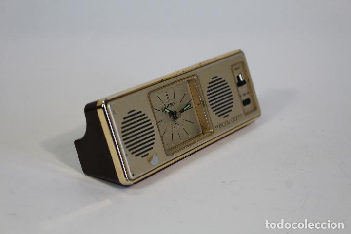 Relojes de carga manual: reloj de mesilla citizen melody alarm - Foto 3 - 172664358