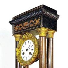 Relojes de carga manual: RELOJ DE COLUMNAS. MARQUETERIA DE MADERA Y BRONCE. MAQUINARIA VINCENT-CIE. FRANCIA. CIRCA 1850. Lote 172695060