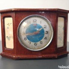 Relojes de carga manual: RELOJ ANTIGUO DE MADERA. Lote 173073560