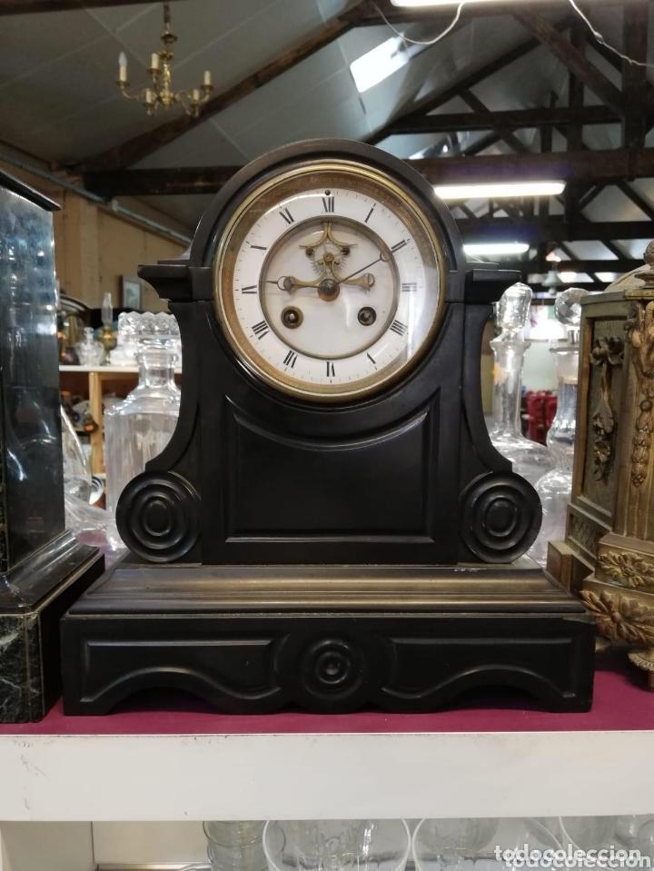 ESPECTACULAR RELOJ FRANCÉS ESCAPE VISTO MÁRMOL NEGRO SIGLO XIX (Relojes - Sobremesa Carga Manual)