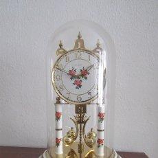 Relojes de carga manual: ANTIGUO RELOJ MESA MECÁNICO ALEMÁN DE CUERDA MANUAL QUE DURA 400 DÍAS AÑOS 1950 A 1960 Y FUNCIONA. Lote 173868537