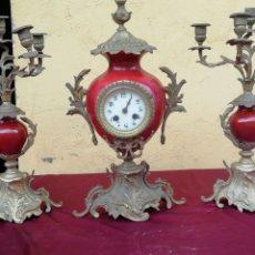Relojes de carga manual: IMPRESIONANTE RELOJ PORCELANA Y BRONCE. Lote 173922653