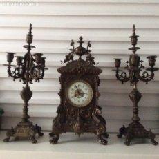 Relojes de carga manual: CONJUNTO DE RELOJ DE REPISA Y CANDELABROS. GUSTAV BECKER ? . Lote 174029452