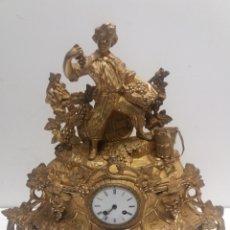 Relojes de carga manual: ANTIGUO RELOJ DE BRONCE DORADO. Lote 174283813