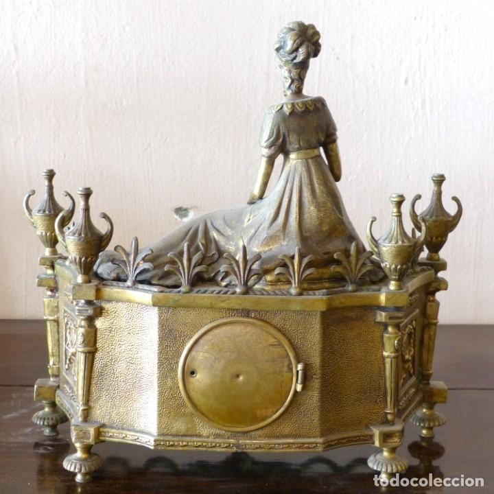Relojes de carga manual: Reloj de bronce estilo francés del Siglo XIX - Foto 3 - 174379072