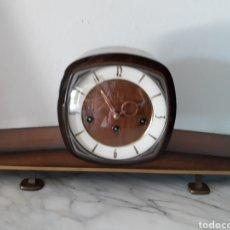 Relojes de carga manual: RELOJ DE SOBREMESA AÑOS 60 FUNCIONANDO. Lote 175840769