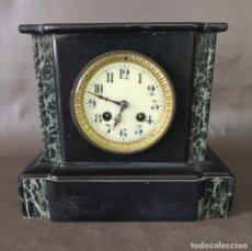 Relojes de carga manual: RELOJ DE CHIMENEA EN MARMOL CON ESFERA ESMALTADA (JAPY FRERES &CO) FUNCIONANDO FRANCIA S XIX. Lote 175889893