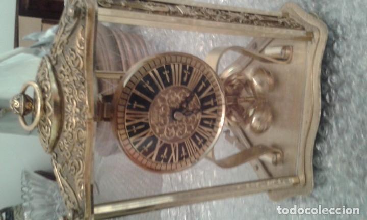 DORADO CON BOLAS ESTILO TOLEDANO (Relojes - Sobremesa Carga Manual)
