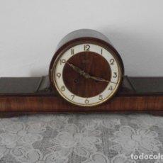 Relojes de carga manual: RELOJ MECÁNICO ANTIGUO ALEMÁN CHIMENEA MESA SOBREMESA FUNCIONA DA CAMPANADAS FABRICADO AÑOS 1930/40. Lote 176684675