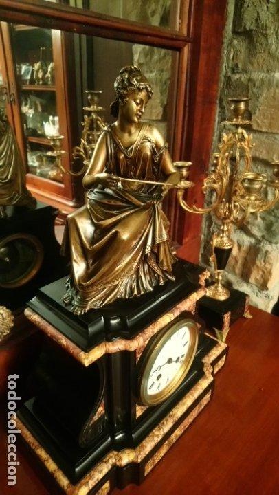 Relojes de carga manual: Reloj de mármol con figura de bronce antiguo - Foto 7 - 177331239