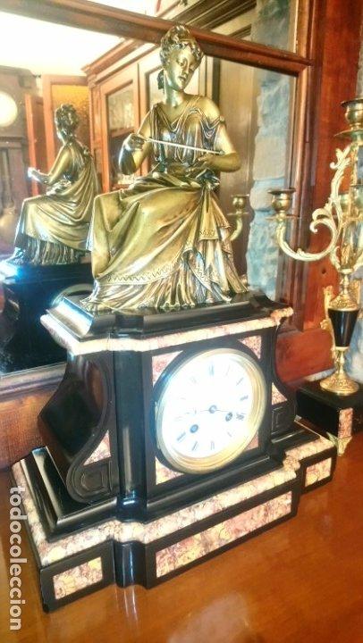 Relojes de carga manual: Reloj de mármol con figura de bronce antiguo - Foto 11 - 177331239