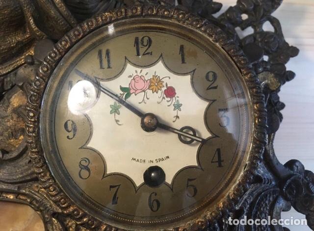 Relojes de carga manual: Antiguo reloj bronce sobremesa cuerda - Foto 5 - 177738885