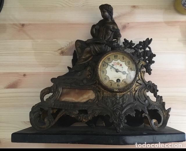 ANTIGUO RELOJ BRONCE SOBREMESA CUERDA (Relojes - Sobremesa Carga Manual)