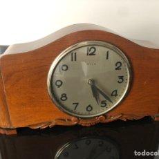 Relojes de carga manual: RELOJ DE SOBREMESA DE MADERA ARTDECO. Lote 178122007