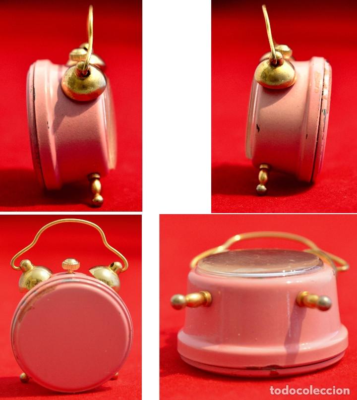 Relojes de carga manual: BONITO RELOJ DE CARGA MANUAL EN MINIATURA EN FORMA DE ANTIGUO DESPERTADOR FUNCIONANDO - Foto 2 - 57574333