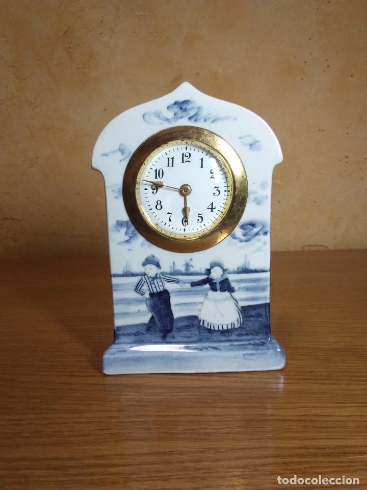 RELOJ EN PORCELANA (Relojes - Sobremesa Carga Manual)