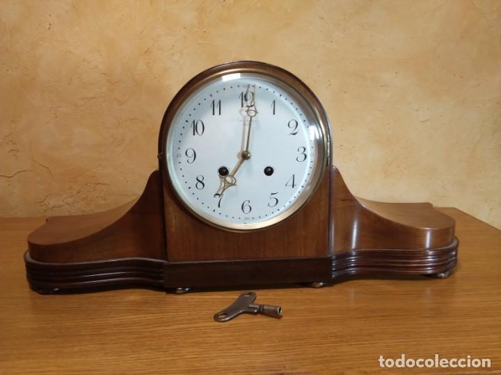 ANTIGUO RELOJ MECÁNICO DE PRINCIPIOS DEL SIGLO XX (Relojes - Sobremesa Carga Manual)