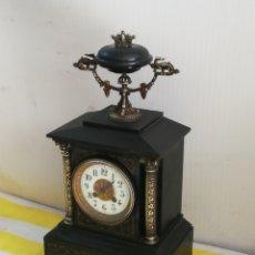 Relojes de carga manual: ESPECTACULAR RELOJ FRANCÉS MÁRMOL NEGRO Y DETALLES EN BRONCE SIGLO XIX. Lote 179332570