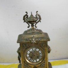Relojes de carga manual: RELOJ ANTIGUO DE BRONCE LUIS XVI CIRCA 1850. Lote 179332797