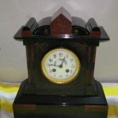 Relojes de carga manual: IMPRESIONANTE RELOJ FRANCÉS MÁRMOL NEGRO Y ROJO RIVET ESFERA BRONCE AL MERCURIO SIGLO XIX. Lote 179333041