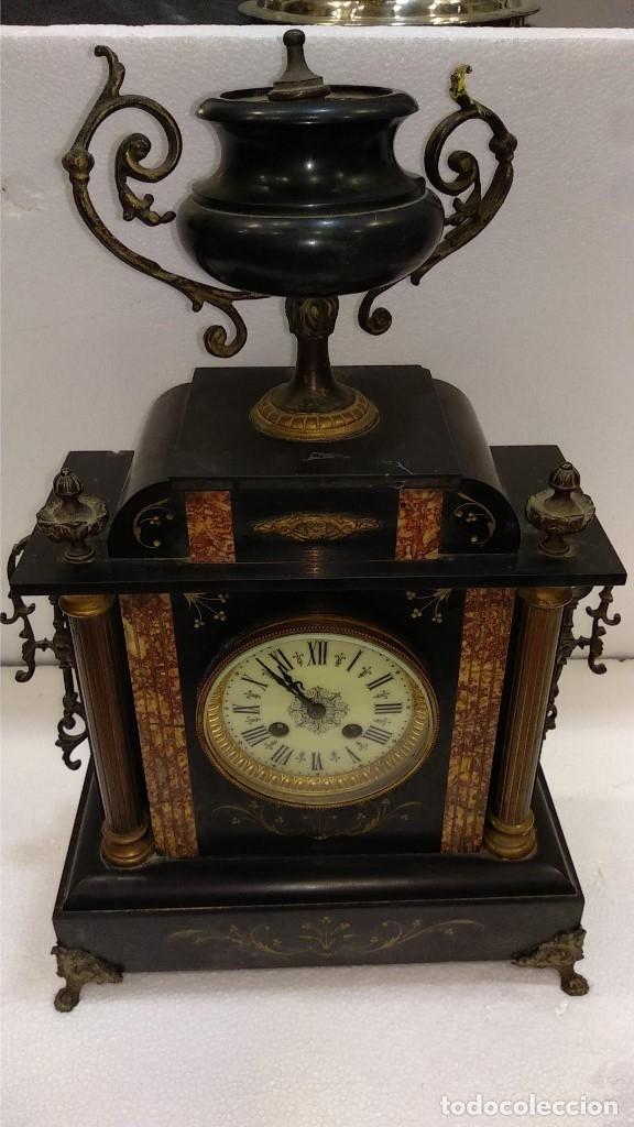 RELOJ S.XIX FRANCÉS- MAQUINARIA PARÍS- MÁRMOL DE DOS COLORES (Relojes - Sobremesa Carga Manual)