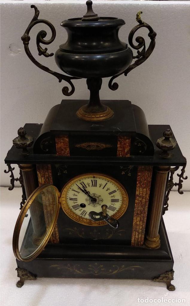 Relojes de carga manual: Reloj S.XIX francés- maquinaria París- mármol de dos colores - Foto 2 - 180855335