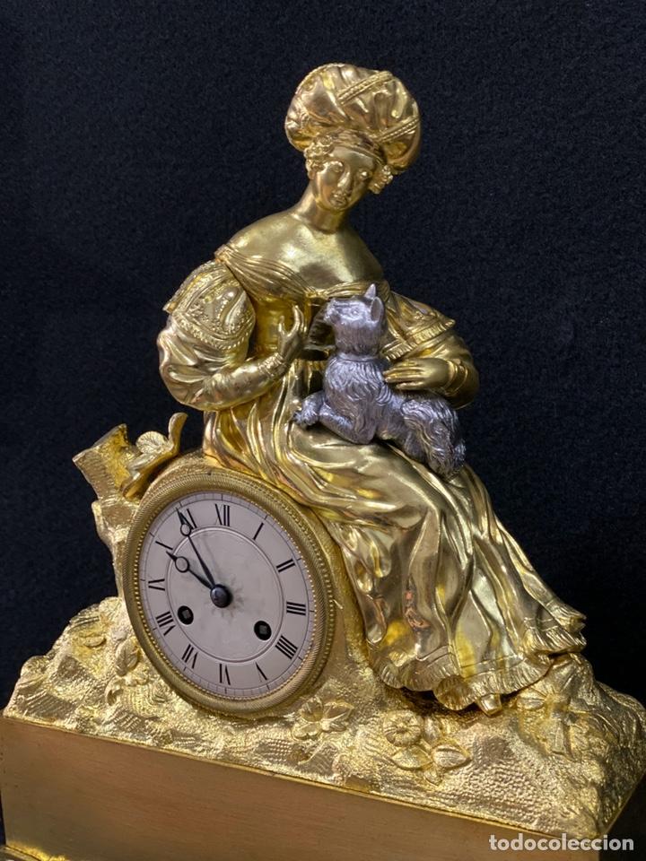 RELOJ IMPERIO BRONCE DORADO. SIGLO XIX (Relojes - Sobremesa Carga Manual)