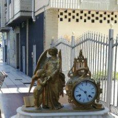 Relojes de carga manual: ANTIGUO RELOJ FRANCÉS SIGLO XIX BRONCE Y MÁRMOL. Lote 182374273