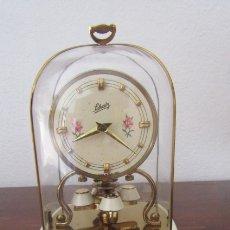Relojes de carga manual: ANTIGUO RELOJ MESA MECÁNICO ALEMÁN DE CUERDA QUE DURA 400 DÍAS AÑOS 40 - 50 MARCA SCHATZ Y FUNCIONA. Lote 182409843