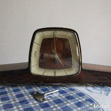 Relojes de carga manual: RELOJ ANTIGUO ALEMAN DE MESA CON DEFECTO CON SONERIA DE CAMPANADAS MELODÍA CATEDRAL BIB BEN CARILLÓN. Lote 182524268