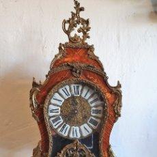 Relojes de carga manual: RELOJ DE SOBREMESA LUIS XV MMARQUETERIA Y BRONCE. Lote 182715177