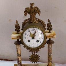 Relojes de carga manual: ANTIGUO RELOJ PÓRTICO FRANCÉS MÁRMOL Y BRONCE SIGLO XIX. Lote 183572332