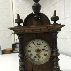 Relojes de carga manual: RELOJ DE SOBREMESA CON CAJA DE MADERA. REPARADO Y EN PERFECTO ESTADO DE FUNCIONAMIENTO. . Lote 184302023