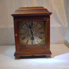 Relojes de carga manual: RELOJ MESA URNA MADERA. Lote 184380896